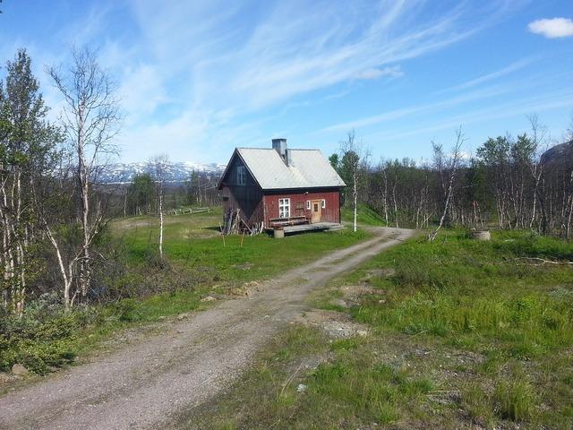 Fjällstuga summer norrland.