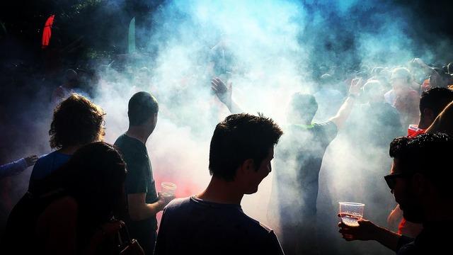 Flare smoke gas, sports.