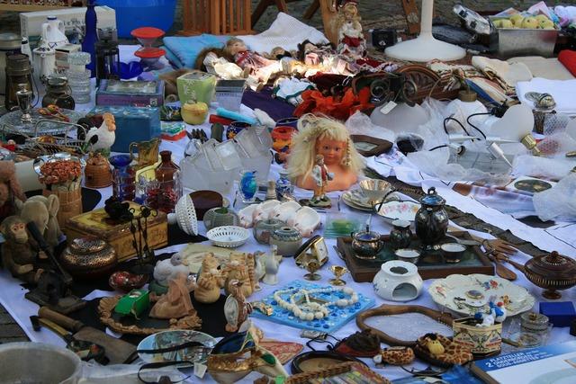 Flea market browse junk.