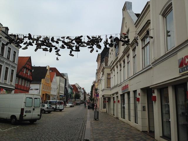 Flensburg road shoes, transportation traffic.