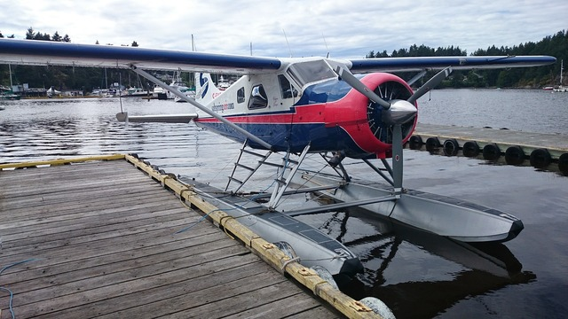 Float plane salt spring island dock.