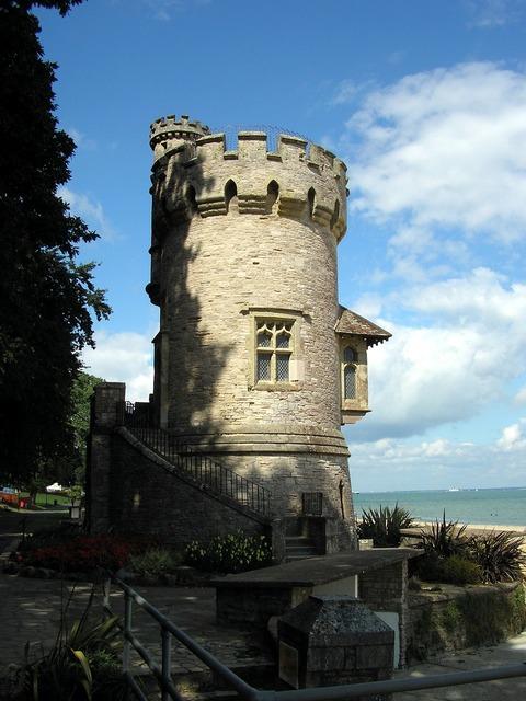 Folly castle england, travel vacation.