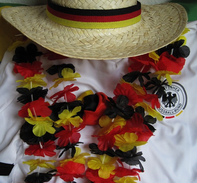 Football fever black red and gold garland football jersey, sports.
