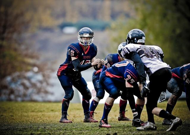 Football quarterback canada, sports.