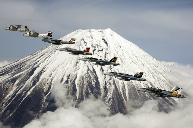 Formation flight fujiyama mount fuji.