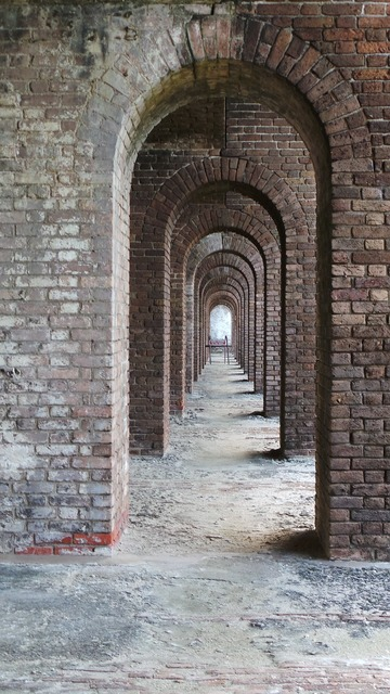 Fort tunnel bricks, places monuments.