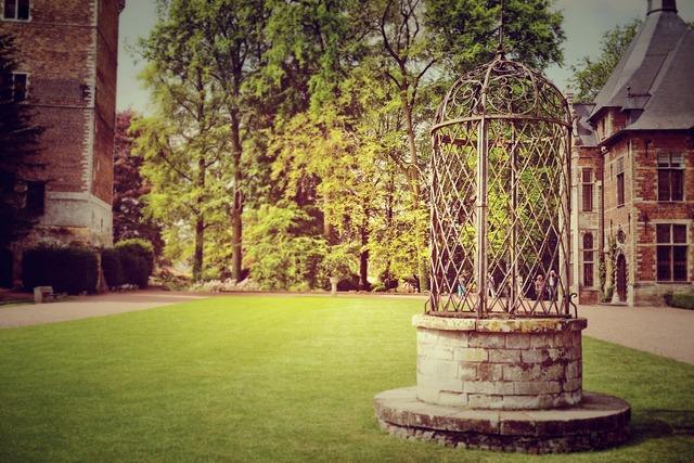 Fountain well grass.