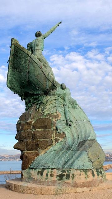 France marseille statue.