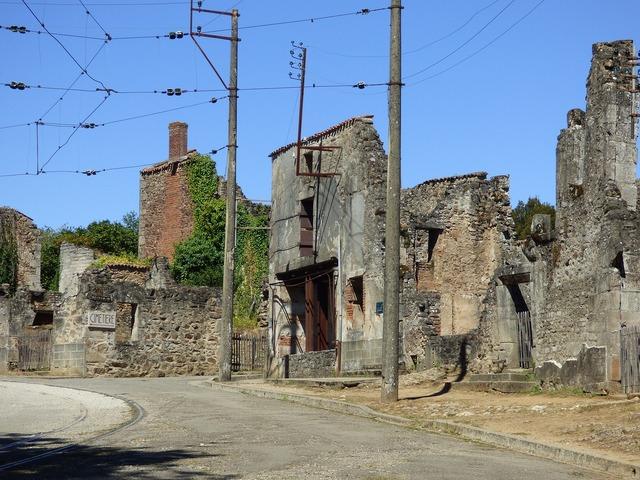 France oradour-sur-glane martyr, places monuments.