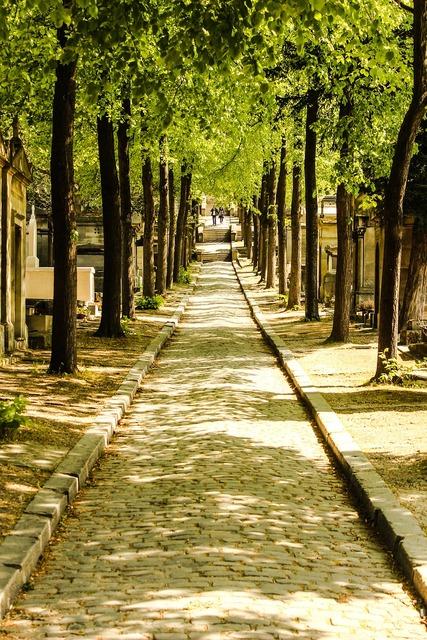 France paris cemetery.