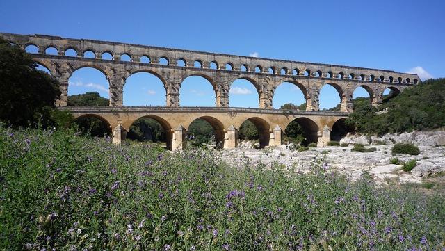 France roman aqueduct bridge.