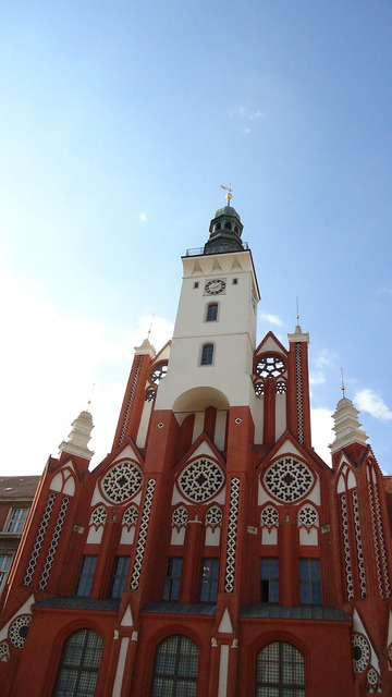 Frankfurt church building, religion.