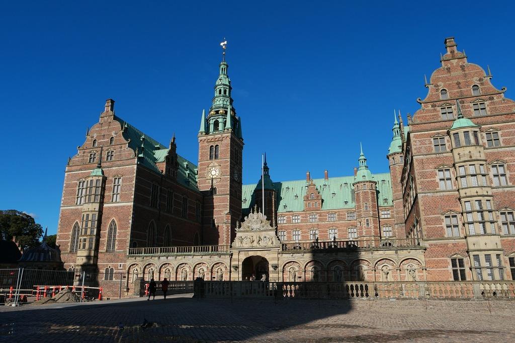 Frederiksborg castle castle hillerød, travel vacation.
