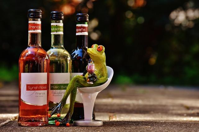 Frog wine drink, food drink.