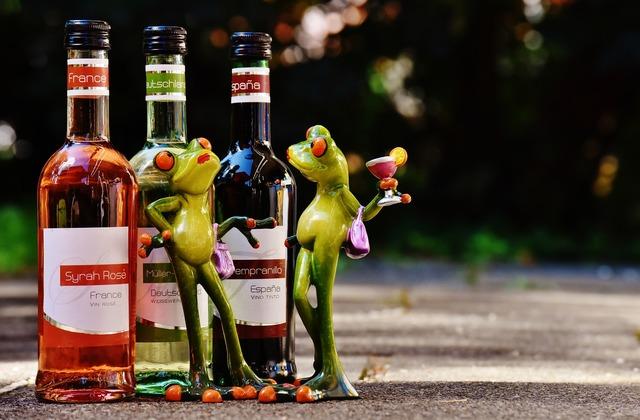 Frogs wine drink, food drink.