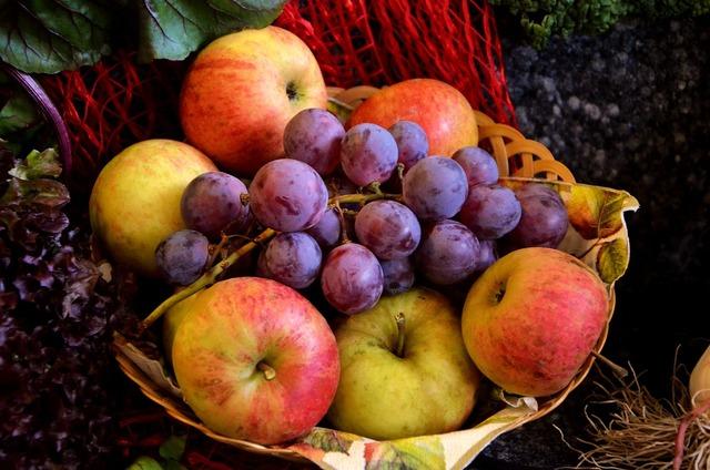 Fruit fruit basket grapes, food drink.