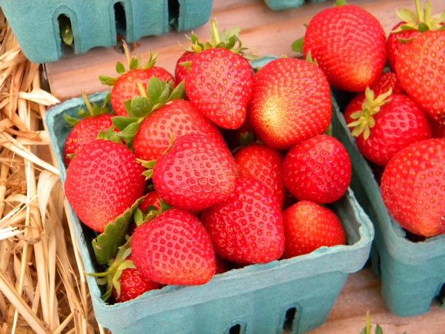 Fruit strawberry basket, food drink.