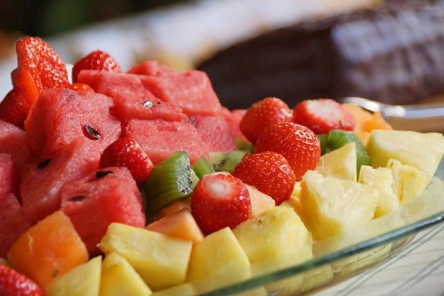 Fruit watermelon kiwi, food drink.