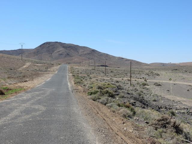 Fuerteventura road dry, transportation traffic.