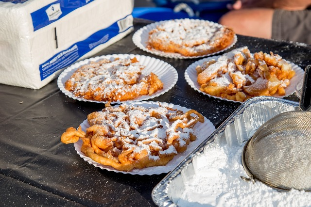Funnel cake delicious food, food drink.