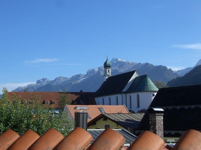 Füssen franciscan church mountains.