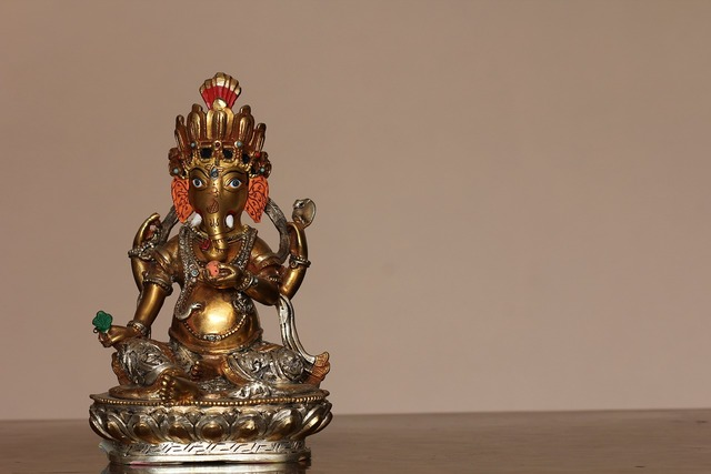 Ganesh god idol.