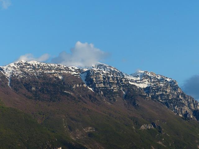 Garda mountains mountains monte baldo.