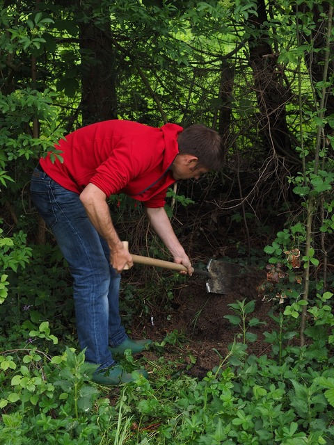 Gardening dig earth, industry craft.