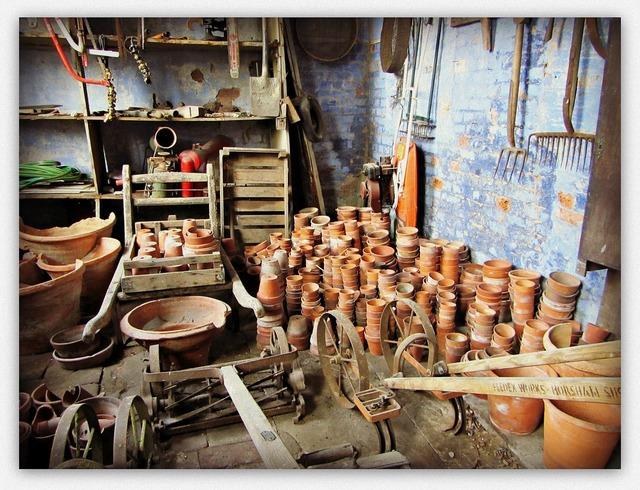 Gardening shed potting.