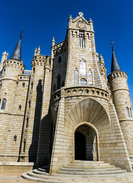 Gaudí astorga castle, architecture buildings.