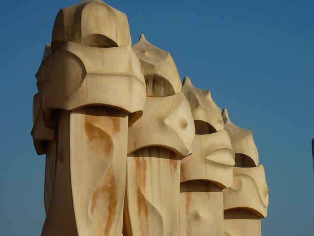 Gaudí home art, architecture buildings.
