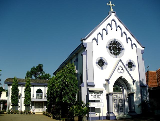 Gereja pasuruan jawa timur, religion.