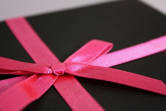 Gift present birthday.