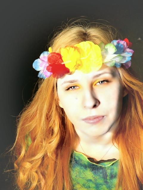 Girl portrait wreath, people.