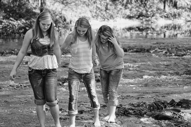Girls friends best friends.