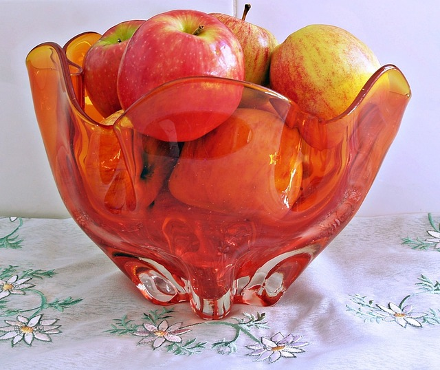 Glass bowl apples, food drink.