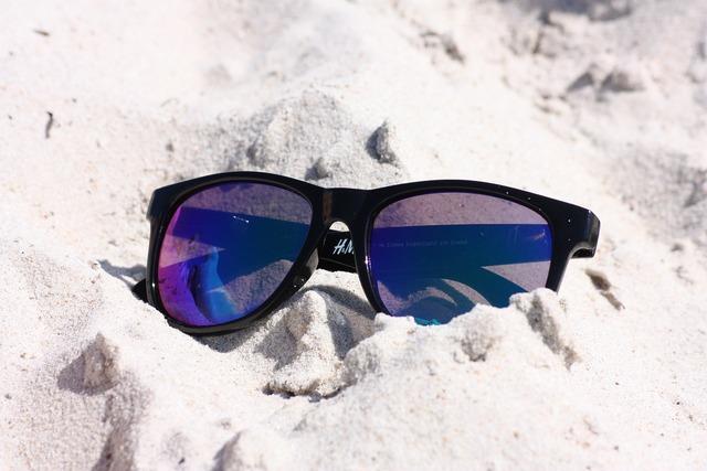 Glasses sunglasses beach, travel vacation.