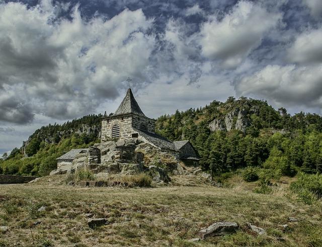 Glavenas church former, religion.