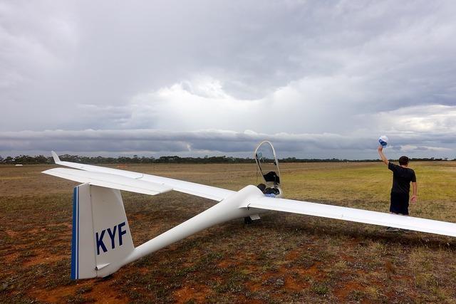 Glider runway aviation.