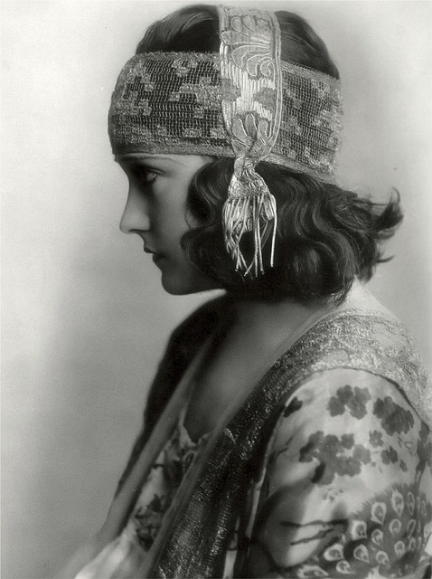 Gloria swanson american actress singer.