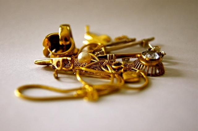 Gold jewellery chain.