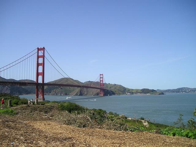 Golden golden gate bridge bridge.