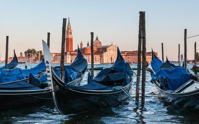 Gondola venetia venezia, transportation traffic.