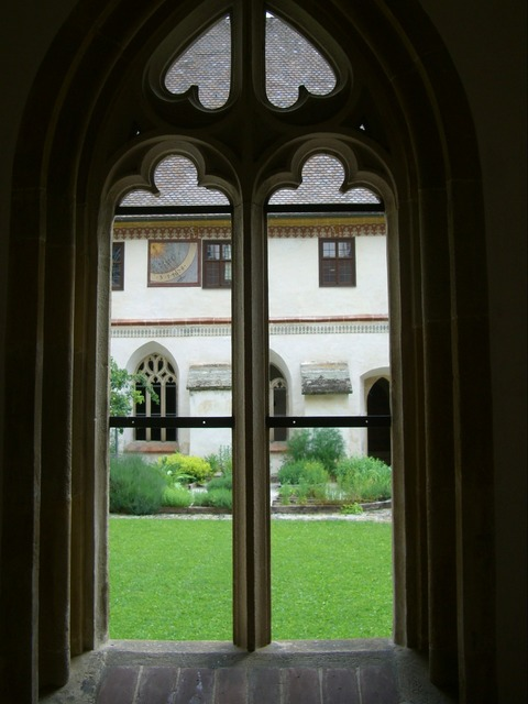 Gothic window tracery, architecture buildings.