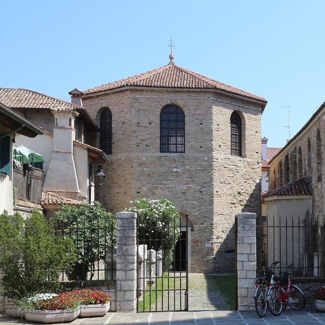 Grado church baptistery, religion.