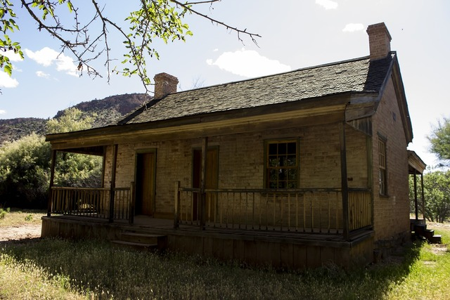 Grafton ghost town pioneer, architecture buildings.