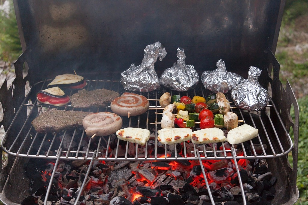 Grill barbecue charcoal.