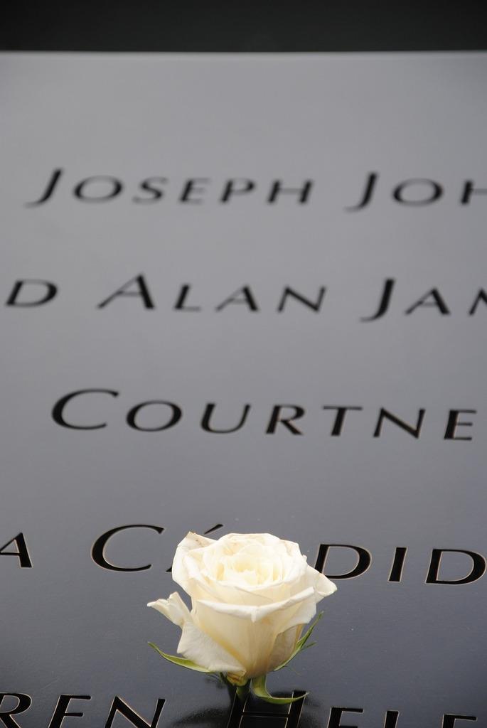 Ground zero 9 11 world trade center memorial, architecture buildings.