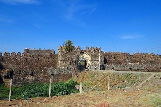 Gulbarga fort entrance bahmani dynasty, architecture buildings.