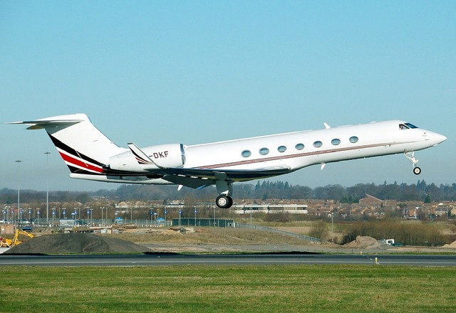 Gulfstream g550 aircraft takeoff.